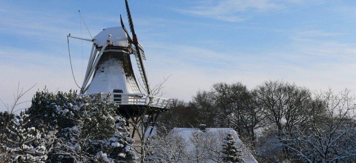Molen Vledder in de sneeuw