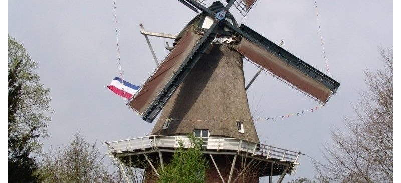 Hazewind-Gieten-Koninginnedag-2012-foto-N-van-den-Broek