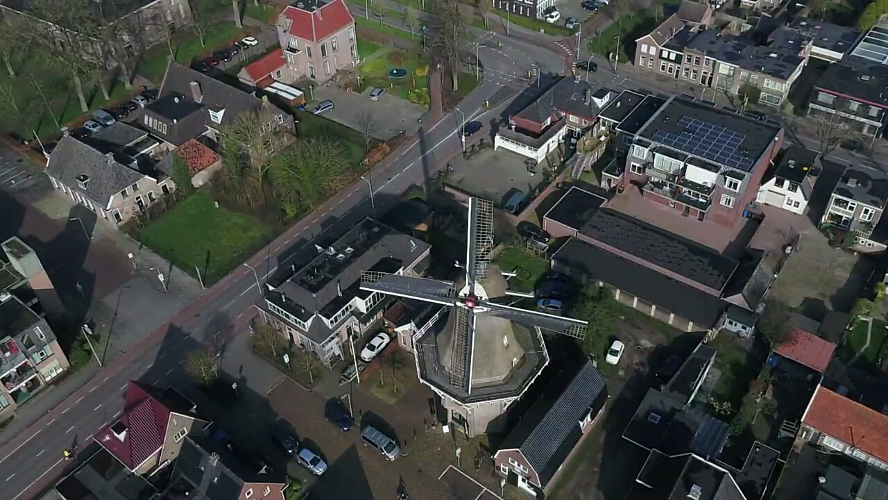 Korenmolen De Zwaluw Hoogeveen vanuit de lucht